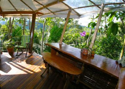 Treehouse Breakfast Bar